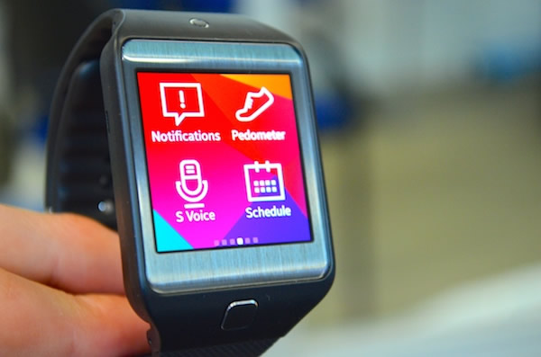 Samsung Gear 2 Neo Review Photo 2