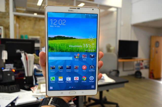 Samsung Galaxy Tab 8.4 Review Photo 2