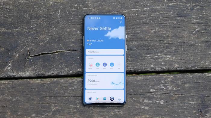 OnePlus 8T Display